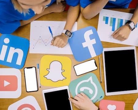 Carga de contenido en redes sociales (Online)